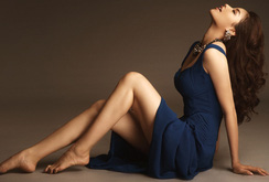Bản tin đặc biệt cuối tuần 08-10: Ngắm hoa hậu Phạm Hương đẹp bí ẩn, lạ lẫm