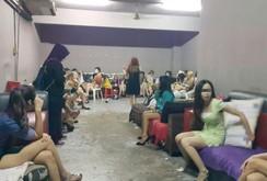 Bản tin NLĐ ngày 13-10: Giải cứu 26 phụ nữ Việt khỏi động mại dâm ở Malaysia