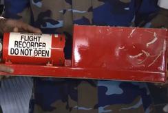 Bản tin NLĐ ngày 28-6: Đang giải mã hộp đen máy bay CASA 212