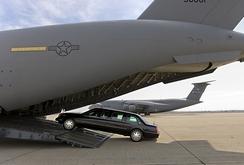 Trực thăng, ô tô đặc biệt của Tổng thống Mỹ đến sân bay Nội Bài