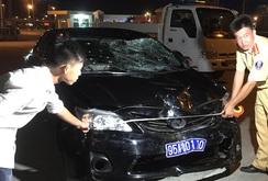 Ô tô biển xanh gây tai nạn liên hoàn, 1 người chết, 2 bị thương nặng