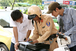 Phóng sự: Tăng mức phạt giao thông, có hạn chế vi phạm?