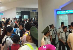 Du khách Trung Quốc có bị đánh, bị vòi tiền ở sân bay Cam Ranh?