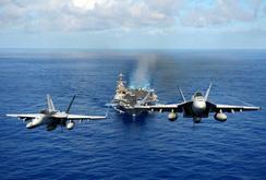 Hai tàu sân bay của Mỹ tập trận trên Biển Philippines