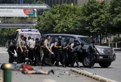 Indonesia: 6 vụ nổ rung chuyển Jakarta, ít nhất 3 người chết