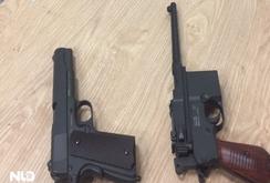 Phát hiện 2 khẩu súng qua sân bay Tân Sơn Nhất