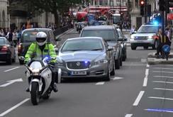 Thủ tướng Anh đã được giải cứu như thế nào trong vụ khủng bố?