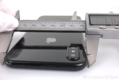 Clip: iPhone 8 lần đầu lộ diện