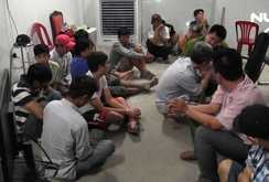 Gần 100 cảnh sát vây bắt ổ đánh bạc khủng