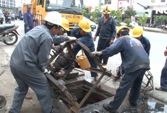 Có kẻ xấu phá hoại, đường Nguyễn Hữu Cảnh vẫn ngập sâu?