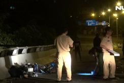 Chạy xe máy ngược chiều trên cầu, 2 người bị tông tử vong