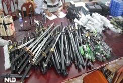 TP HCM: Bắt 4 đối tượng cùng hàng trăm mã tấu, dao, kiếm
