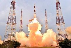 Ấn Độ phóng 104 vệ tinh chỉ với 1 tên lửa đẩy