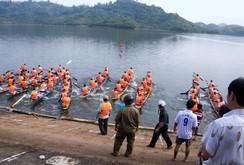 Hàng ngàn người nô nức trẩy hội đua thuyền Đạ Tẻh, Lâm Đồng