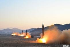 Triều Tiên công bố video 4 tên lửa đạn đạo đồng loạt rời bệ phóng