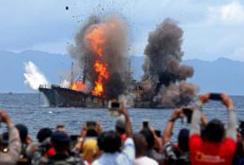 Bản tin NLĐ ngày 3-4: Indonesia lại phá hủy nhiều tàu cá nước ngoài