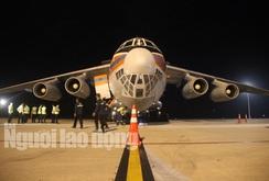 Nga dùng máy bay Il-76 chở hàng viện trợ cho Việt Nam