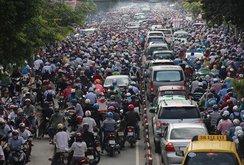 Ghi nhanh: Thu phí ô tô vào trung tâm TP HCM, có giảm ùn tắc giao thông?