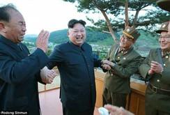 Bản tin NLĐ ngày 15-5: Triều Tiên: Kim Jong-un giám sát vụ phóng tên lửa