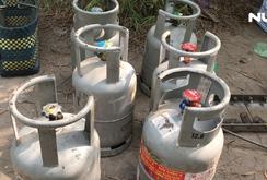 Phát hiện gần 1000 bình gas sang chiếc lậu cất giấu trong rừng trúc