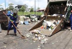Trạm trung chuyển rác quá tải, dân sống trong ô nhiễm