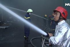 Cháy lớn tại KCN Vĩnh Lộc, hơn 200 lính cứu hoả được điều động