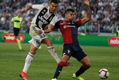 """Ronaldo lập kỷ lục ghi bàn trong ngày """"vui không trọn vẹn"""""""