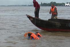 Đội cứu hộ không công trên sông Vàm Nao