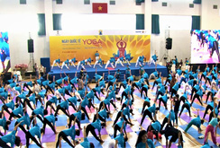 Ghi nhanh: Gần 1000 người đồng diễn Yoga tại TP HCM