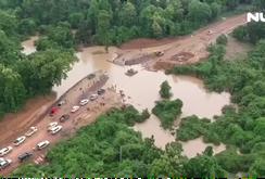 """Vỡ đập thủy điện ở Lào: Đường """"tử thần"""" vào vùng rốn lũ"""