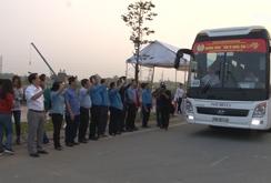Hàng ngàn công nhân trên chuyến xe nghĩa tình về quê ăn Tết