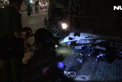 Xe ben tông loạt xe máy cuốn vào gầm, gần chục người bị thương