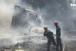 Cháy kho phế liệu 1.000 m2, học sinh khẩn cấp di tản