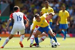 Brazil - Costa Rica: Trọng trách trên vai COUTINHO