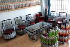 Ngắm căn nhà có nội thất làm bằng chai thủy tinh, nắp nhựa