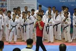 """""""Lý Tiểu Long Hàn Quốc"""" huấn luyện tự vệ cho VĐV Taekwondo Việt Nam"""