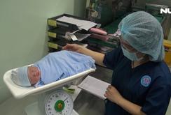 Bệnh viện Hùng Vương TP HCM đón bé đầu tiên ra đời năm Mậu Tuất