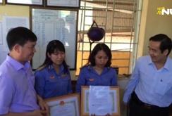 Ngành đường sắt trao thưởng cho 2 nữ nhân viên liều mình cứu cụ bà thoát chết