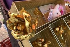 Hoa hồng mạ vàng giá siêu rẻ thu hút khách hàng