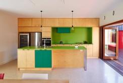 Không gian nhà bếp độc đáo với màu xanh lá cây