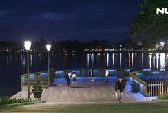 Lung linh đường đi bộ lát gỗ lim trên sông Hương