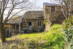 Hàng loạt ngôi làng Tây Ban Nha rao bán giá rẻ