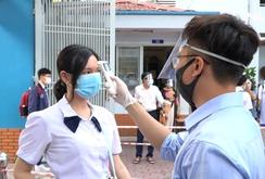TP HCM: Học sinh lớp 9, 12 trở lại trường sau kỳ nghỉ dài vì Covid-19