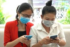 Người dân tự nguyện khai báo y tế qua app NCOVI