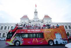Khám phá xe buýt mui trần đầu tiên tại TP HCM