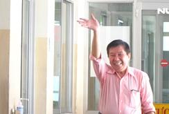 Việt kiều Mỹ khỏi bệnh Covid-19 tươi cười xuất viện