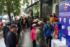 """Báo Người Lao Động khai trương """"ATM thực phẩm miễn phí"""" tại Hà Nội"""
