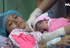 Hạnh phúc đón 2 bé ra đời đúng thời khắc giao thừa năm Canh Tý 2020