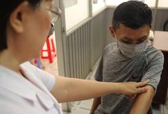 Phòng khám với những bác sĩ không lương, bệnh nhân được điều trị miễn phí