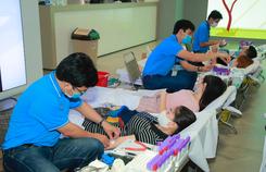 Roche Việt Nam và Samsung Vina đồng hành 'Hiến máu cứu người'
